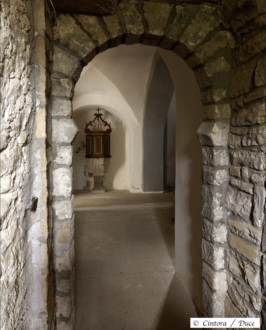 Arco de herradura, Cartirana