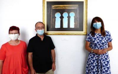 El cuadro del artista Pedro Caurín en la sede de Amigos de Serrablo, primer regalo por el 50 aniversario